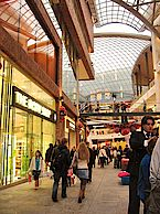 Cabot Circus shopping - Photo CC Matt Buck